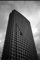 Edificio 2 by Pancho Tolchinsky
